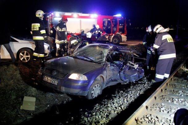 Ужасная трагедия в Польше: Поезд протаранил автомобиль с украинцами