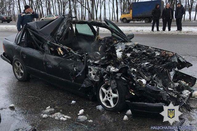 «На полном ходу влетел в фуру»: Ужасное ДТП в Харькове унесло жизни четырех человек