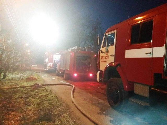 «Пламя охватило весь дом»: Ночью в Запорожье заживо сгорел человек