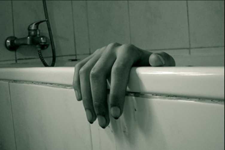 «Затянула дочь в ванную и там утопила»: Жуткая история женщины, которая стала жертвой крупнейшей секты Украины