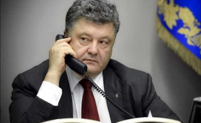 «По инициативе украинской стороны» Порошенко провел телефонный разговор с Путиным. О чем говорили?