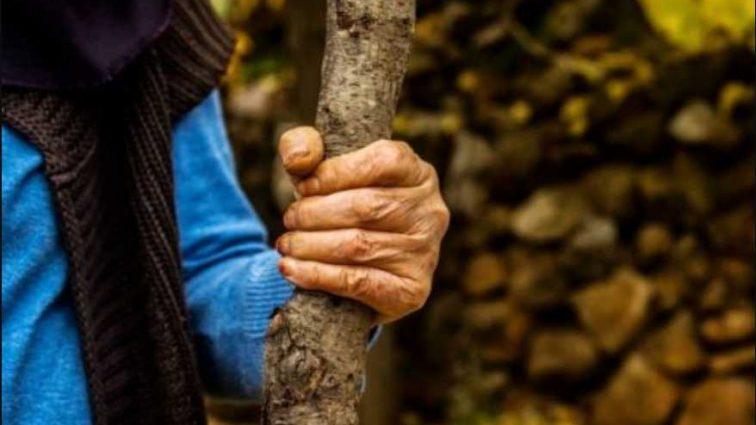 «Сначала била деревянной палкой, а затем — топором»: Мать заказала сына, заплатив 10 000 гривен