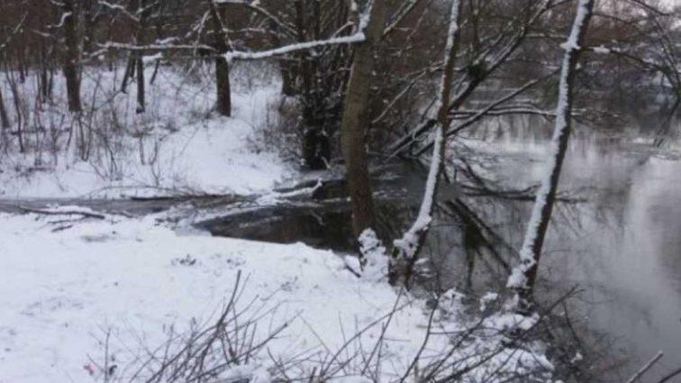 «Тело спасатели искали уже 10 дней»: Нашли мальчика, который провалился под лед