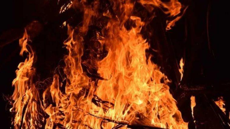 «Приехали на вызов, а нашли тело»: Пожилая женщина сгорела в Киевской области