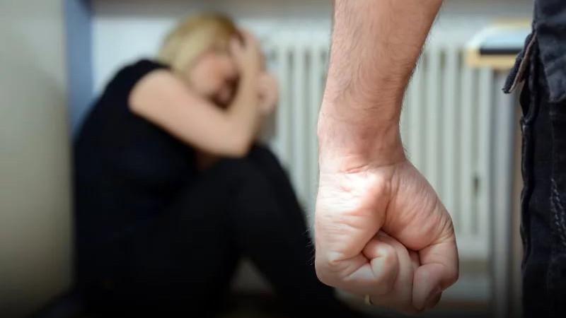 «Сжал ей горло и изнасиловал»: В Тернополе парень жестоко поиздевался над мамой своего друга, а потом обокрал ее