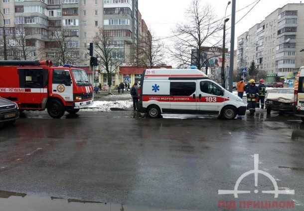 «На место вызвали скорую и пожарных» В Луцке масштабное ДТП