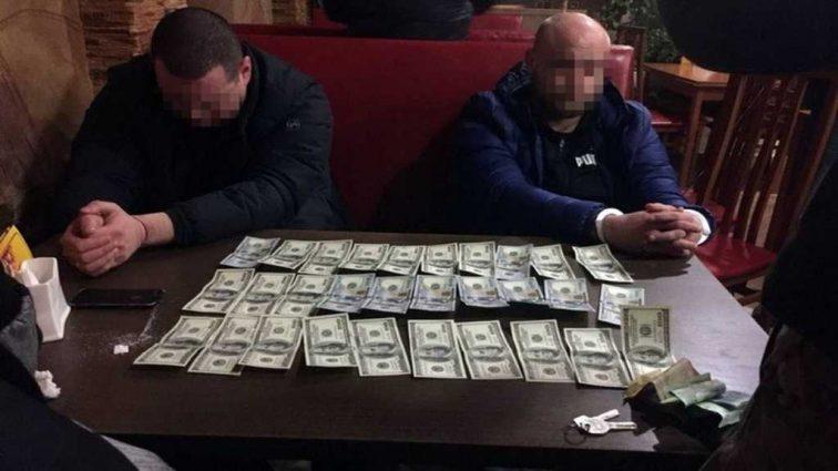 На Киевщине поймали известного чиновника на огромной взятке