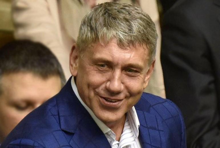 «Фракционный перебежчик, финансовый махинатор, миллионер и владелец самолета»: кто такой на самом деле Игорь Насалик.
