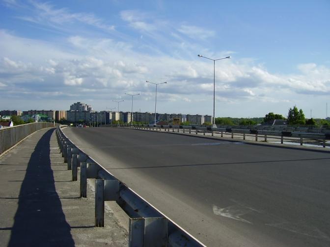 «Она перекрестилась и …»: Девушка во Львове спрыгнула с моста