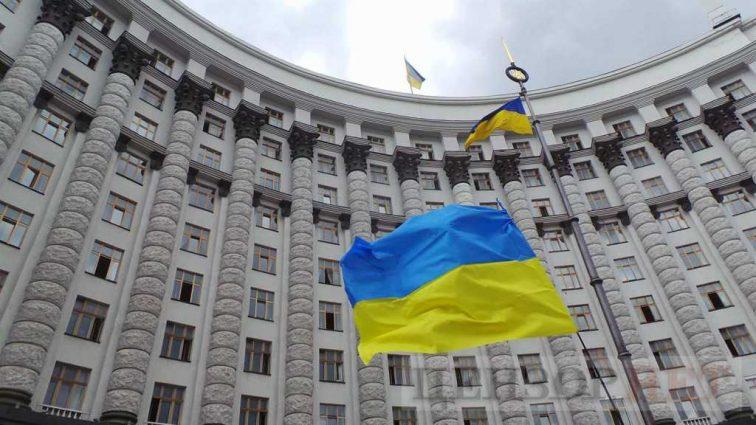 Студенты, АТОшникы и 45+: На украинских граждан ждут важные нововведения