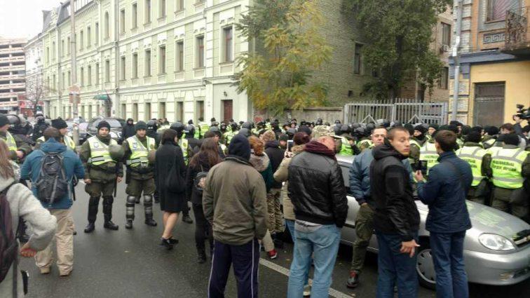 «Нам пох ** на Саакашвили!»: Протестующие под Радой высказали свое мнение