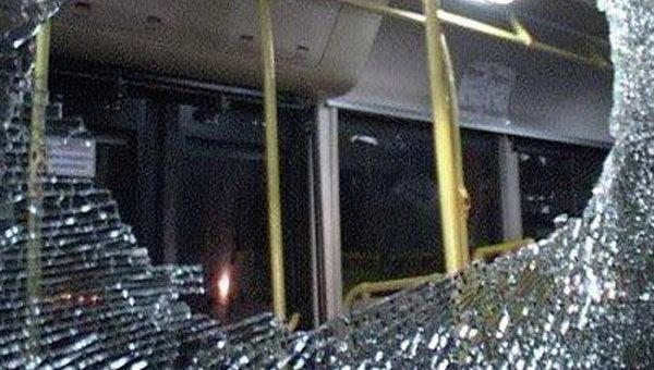 «Из-за конфликта между перевозчиками»: В Киеве обстреляли пассажирские автобусы