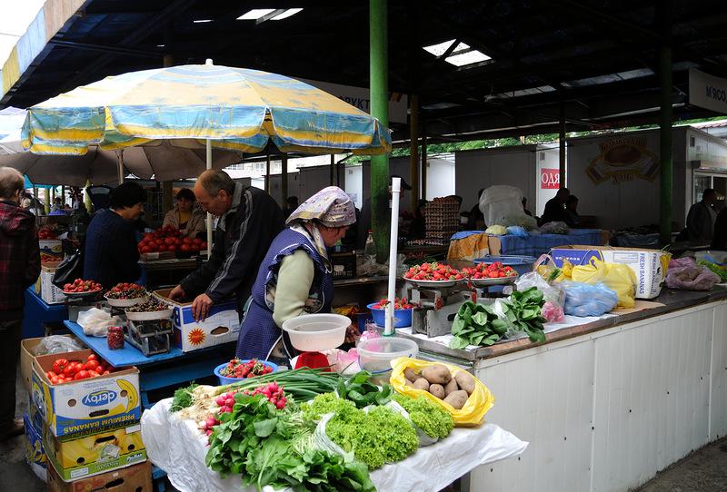 «И с * кс в пятницу …»: На Львовщине хотят запретить торговлю в воскресенье