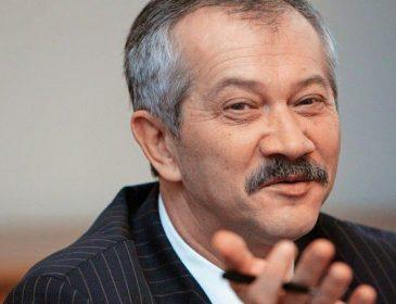 «Акушер украинской олигархии»: Вся правда о «экспериментах» Виктора Пинзеника над украинцами в начале 90-ых