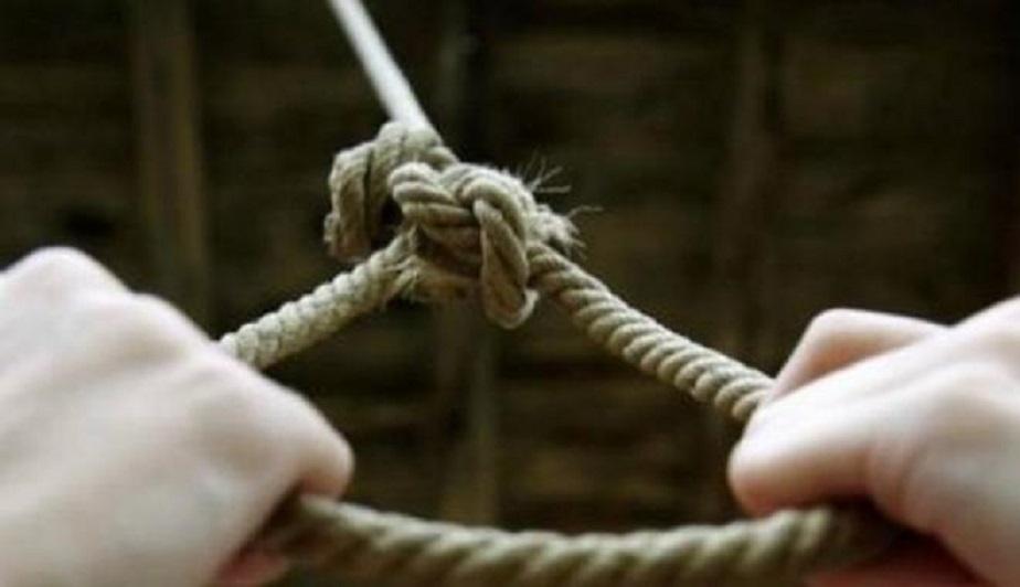 «Привязал шнур к перилам и своей шеи и прыгнул»: Мужчина совершил самоубийство прямо в стенах парламента