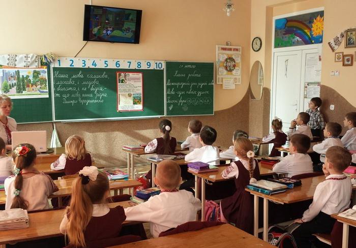 «Переведены в экономный режим»: Во Львове отказались прекращать работу учебных заведений из-за проблем с газом