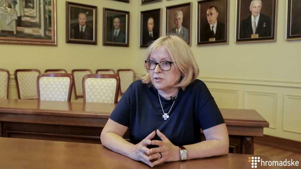 Студенты бастовали не зря: Суд вернул Амосовой кресло ректора НМУ имени Богомольца