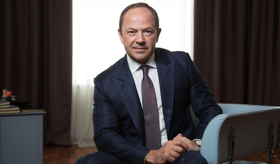 «Назвал банк в честь дочери и жена в Топ 100 женщин Украины …»: Тигипко Сергей пешка или король?