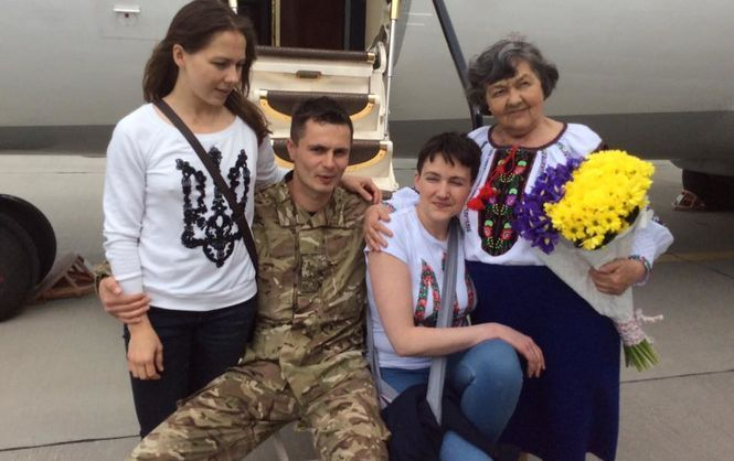 «Ручки такие тоненькие»: Мама Надежды Савченко сделала заявление о состоянии дочери