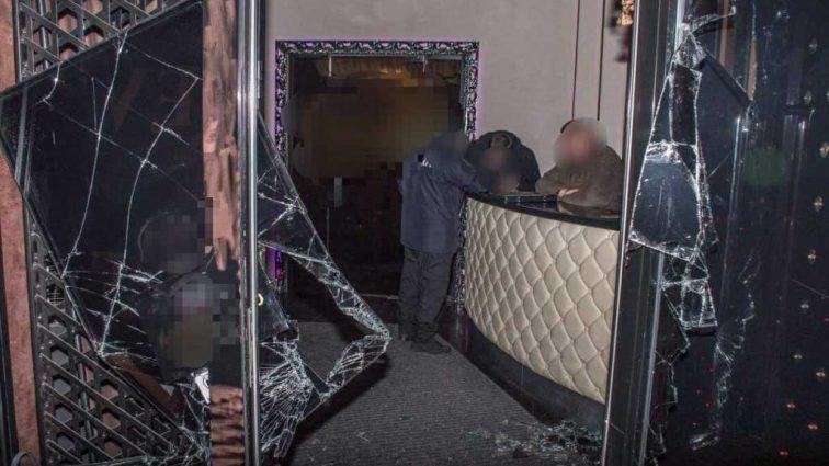 «Выбили двери, ворвались в ночной клуб и устроили стрельбу»: Прокуратура рассказала подробности громкого проишествия