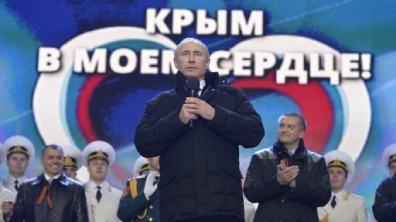 «Раздевали чуть ли не до трусов»: Приезд Путина в Крым обернулся громким скандалом