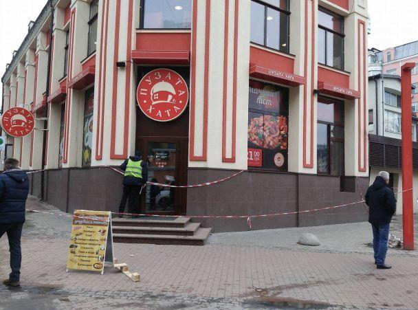 «Леша, не умирай. Леша, держись»: Стали известны подробности загадочной смерти в ресторане в центре Киева