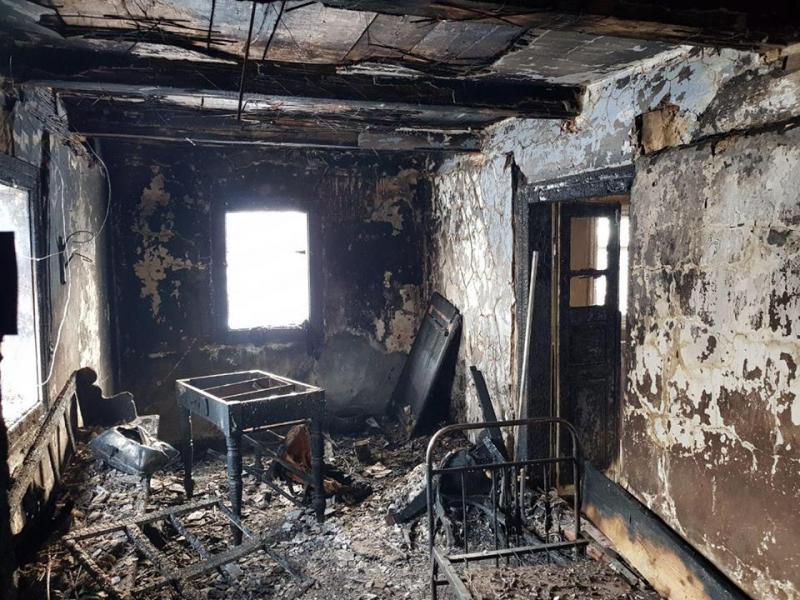 Свой дом стал ловушкой: В Ровенской области в пожаре погибли мать с сыном