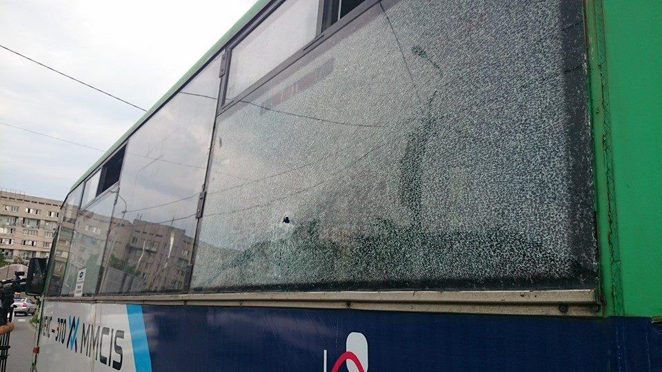 На известном украинском курорте обстреляли маршрутку