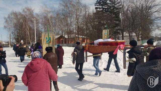 «Был порван рот, разорванные и обожженные половые органы и …»: На Черниговщине похоронили убитого насмерть 2-летнего ребенка