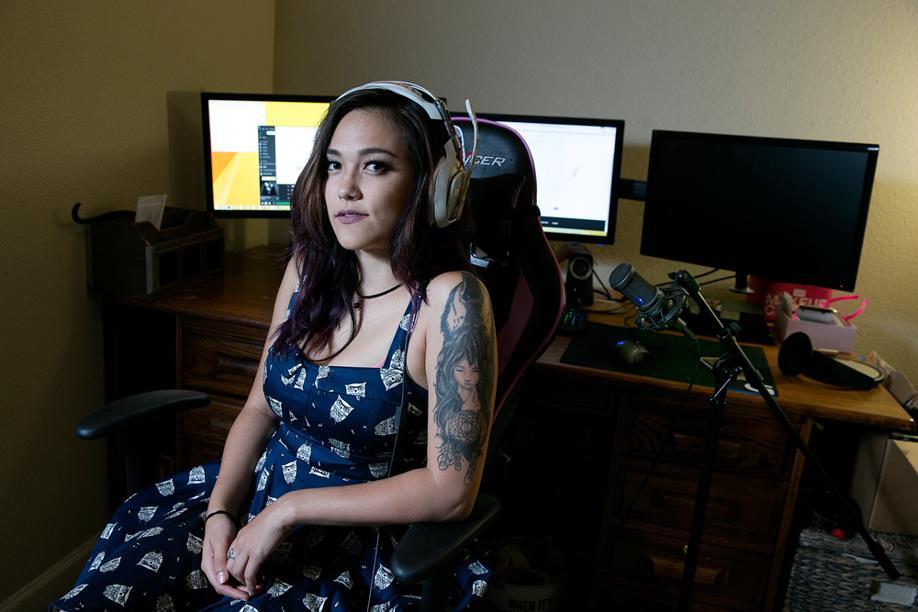 Девушка-геймер шокировала Интернет, когда в прямом эфире на своем канале призналась в убийстве …