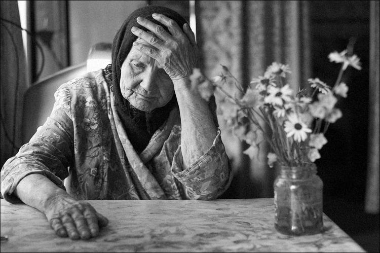 «Подняли пенсию, но забрали …»: Как украинцы уже расплачиваются за «улучшение»