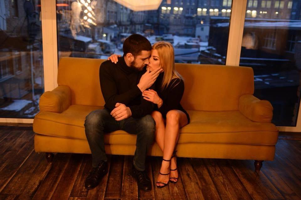 Депутат Евгений Дейдей подал на развод и уже показал новую девушку. Вы только посмотрите на эту обольстительницу