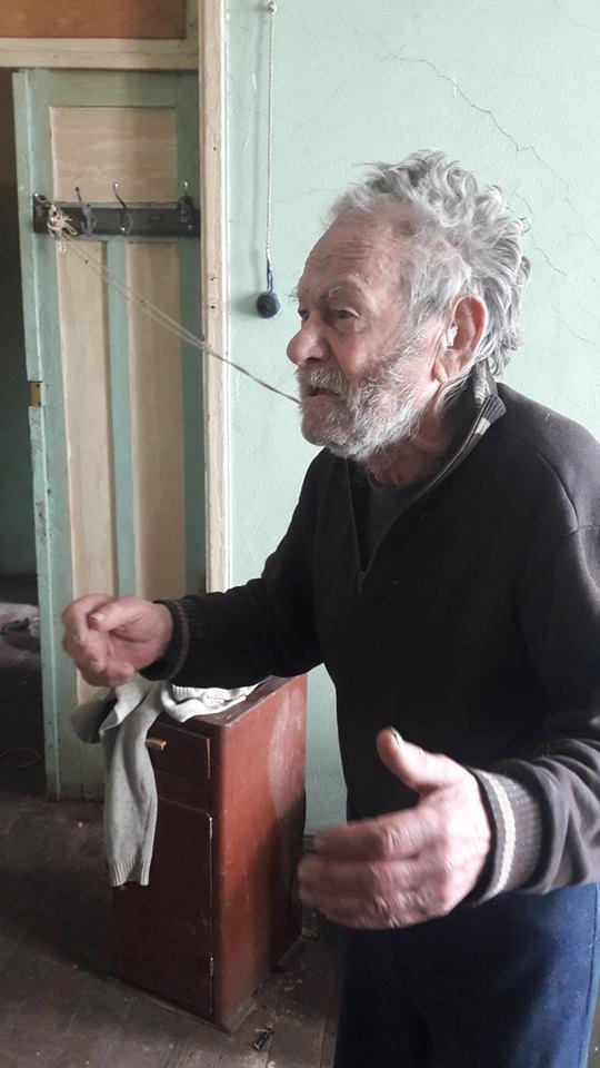 «Напротив резиденции президента Украины в квартире номер 5…»: Пенсионер рассказал потрясающие факты. И это прямо под порогом Порошенко?