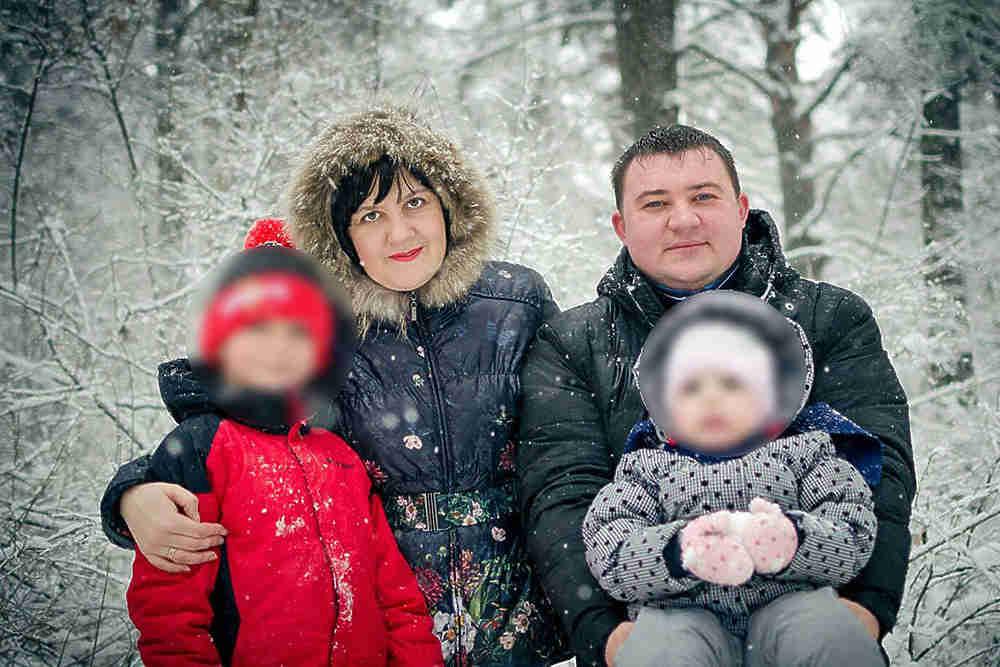 «Он не знает, что остался круглой сиротой»: Стало известно о состоянии 11-летнего мальчика, который выпрыгнул из горящего ТЦ в Кемерово