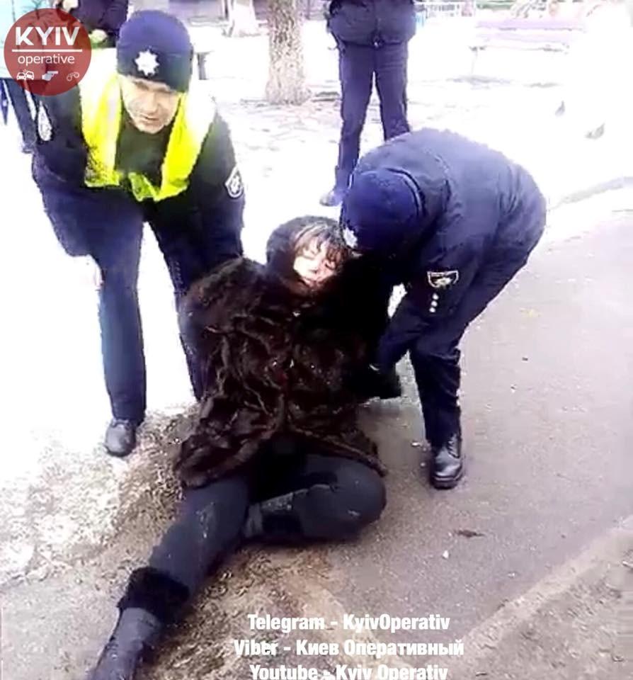 «Напилась и уснула в снегу …»: Женщина решила забрать племянника с детского сада