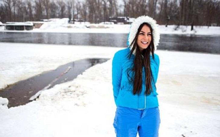 «Бегает без одежды и купается в Днепре …»: Соблазнительная 32-летняя украинка подорвала Сеть своими пикантными фото (18+)