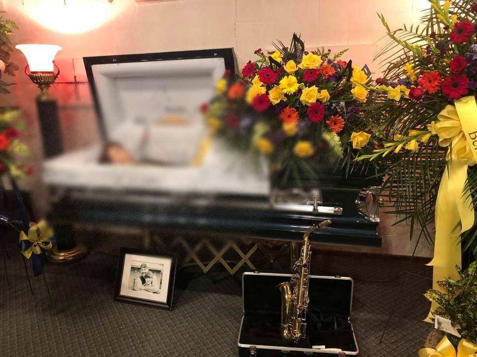 «Мать выложили фото сына в гробу, чтобы те, кто…»: Смерть 12-летнего мальчика поразила Сеть