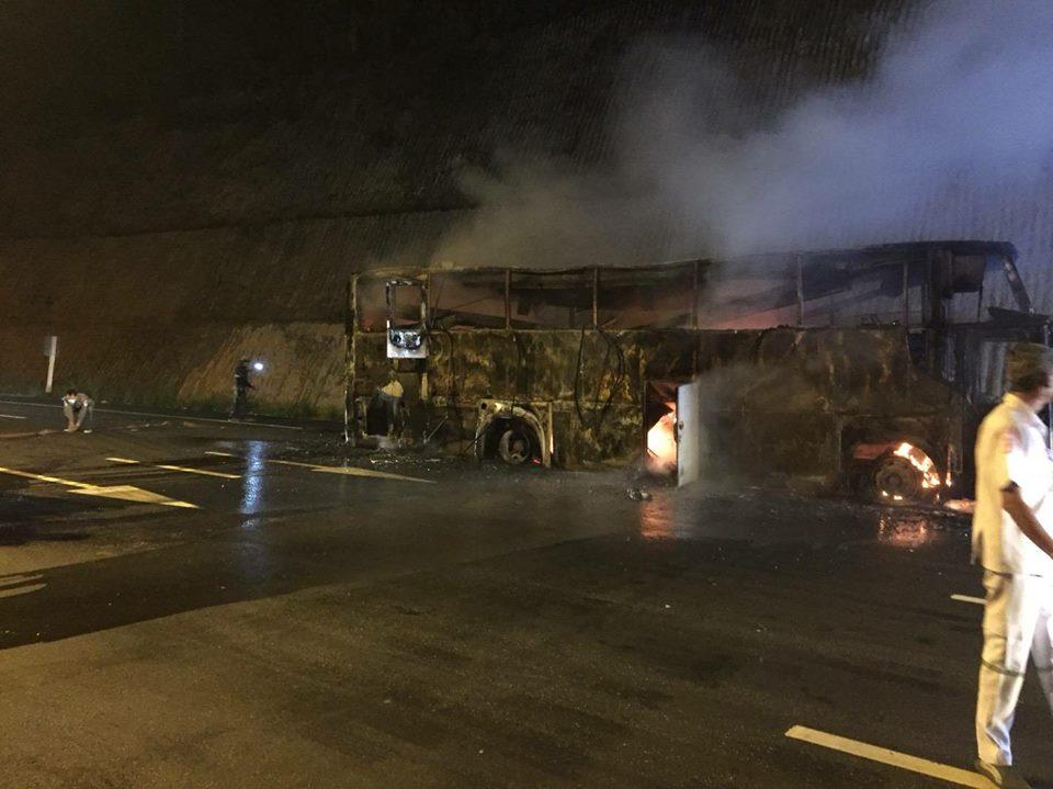 «Пожар быстро распространился по салону»: 20 заробитчан погибли в горящем автобусе
