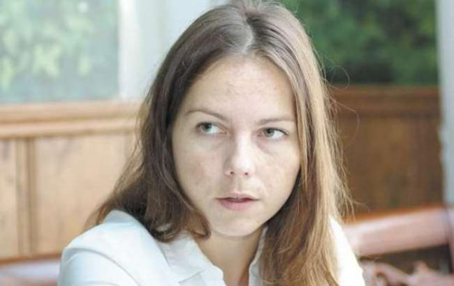 «Когда Порошенко застрелится, Луценко напьется и умрет»: Вера Савченко возле апелляционного суда сделала шокирующее заявление