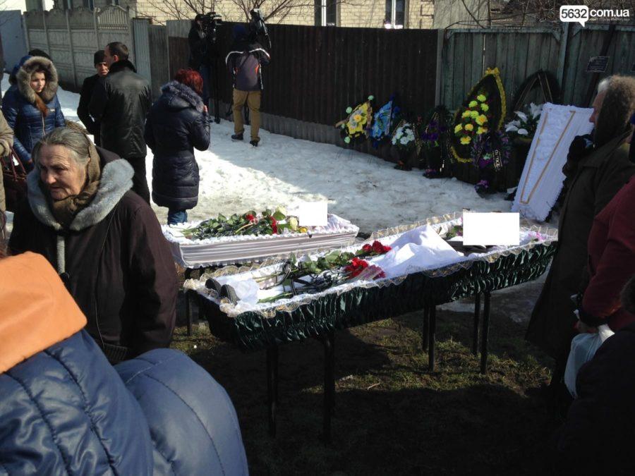 «Был настоящим извергом, которого боялся весь район»: Школьника-убийцу семьи из Павлограда цинично спасают от наказания