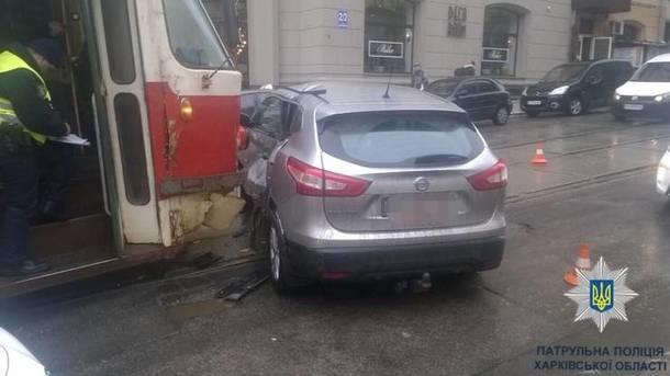 «Просто раздавил авто»: В центре города произошло страшное ДТП