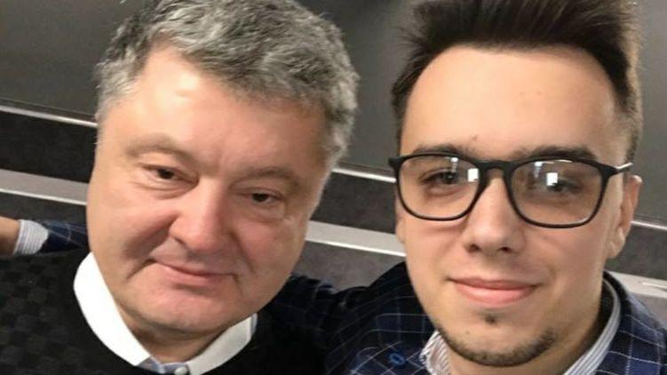 Истинный идиотизм редкая штука: «зашкварно-лояльных» ботов Порошенко уличили в позорной лжи после его встречи с блогерами