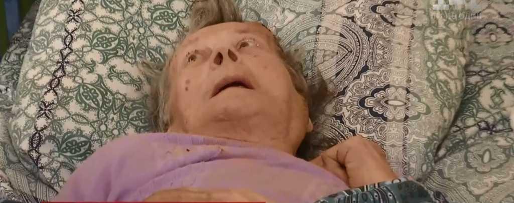 «Квартира — у внучки, паспорт — исчез»: Бабушка уже почти год живет в больнице
