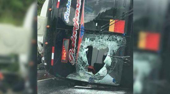 Ужасное ДТП: Перевернулся пассажирский автобус, 12 человек погибли