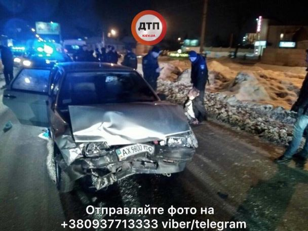 В салоне машины с ним были женщина и 2-летний ребенок: Водитель-камикадзе устроил гонки с полицейскими