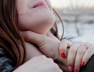«Его ненавидит даже родная мать…»: Мужчина затащил в кусты и изнасиловал 17-летнюю студентку
