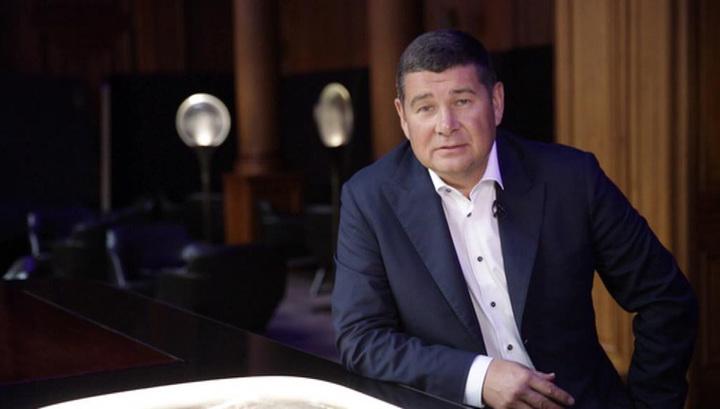 «Если кто-то не будет голосовать за мои законы»: Нардеп-беглец Онищенко рассказал об угрозах Порошенко
