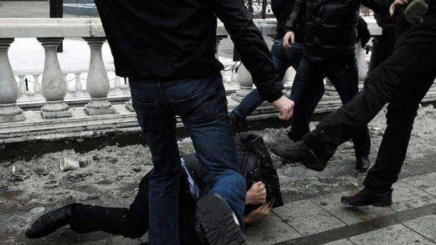 Массовая драка в столице: Одному из участников пробили голову металлической трубой