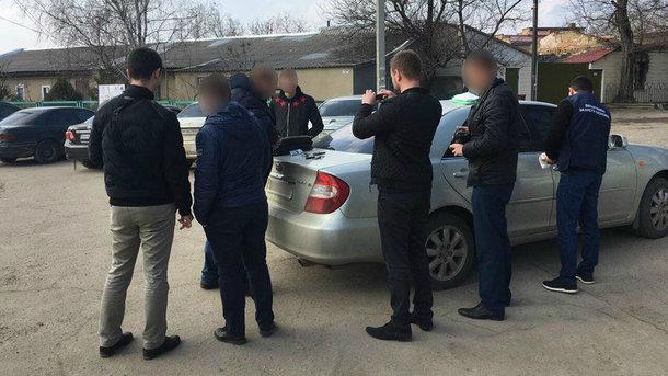 За любовь к деньгам: Чиновника «Одессаоблэнерго» задержали за взятку