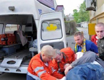 Водитель протаранил карету «скорой» и убежал, бросив пострадавшего